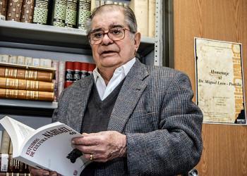 Rinden homenaje a Miguel León-Portilla en Museo de Antropología