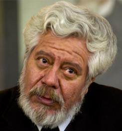 Adolfo Castañón