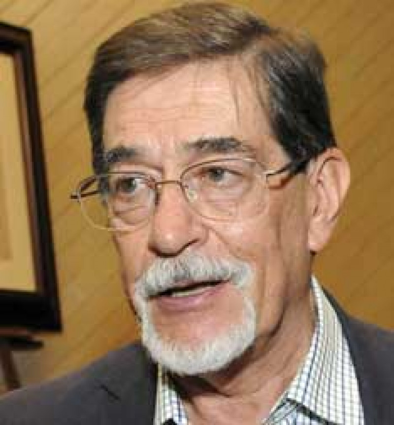 """""""El buen historiador será aquél que se considere escritor"""": Álvaro Matute, entrevista en Crónica"""