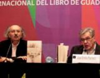 Don José Emilio Pacheco presentó durante la FIL Guadalajara 2011 el libro Obra poética completa (1967-2010) de Antonio Colinas