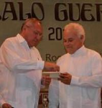 El doctor Raúl Arístides Pérez Aguilar fue galardonado con la presea Gonzalo Guerrero 2011