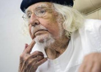 La voz poética y comprometida de Ernesto Cardenal cumple 90 años