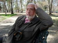 Gerardo Deniz, quien ha deslumbrado a generaciones de lectores, cumple 80 años y fue acompañado por Eduardo Lizalde, entre otros escritores