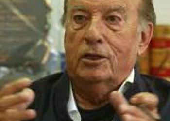 Pablo González Casanova recibe el Premio Daniel Cosío Villegas, 2012