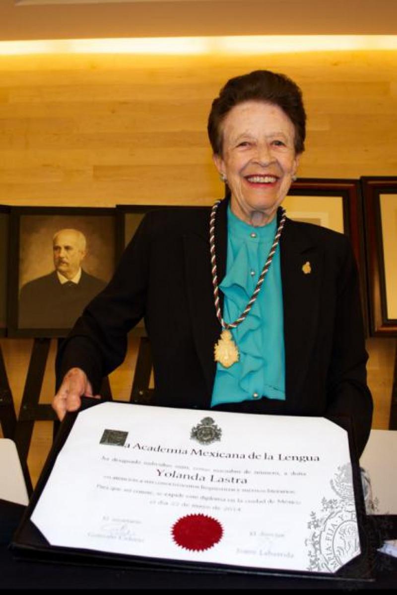 El día de ayer doña Yolanda Lastra leyó su discurso de ingreso como miembro de número a la Academia Mexicana de la Lengua